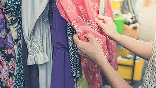Slow fashion: Hoe kies je duurzame kleding en waarom is het zo belangrijk?