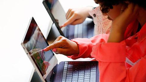 'Helft van jongeren overschat eigen digitale vaardigheden'}