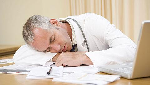 Artsen moeten stoppen met 24-uursdiensten