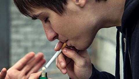 Jongeren onder de 18 komen gemakkelijk aan sigaretten}