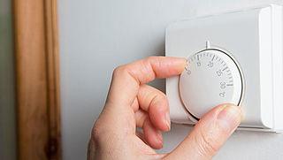 Staat de verwarming al weer aan? 'Nee, wij besparen!'