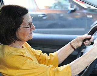Seniorenkeuring voor rijbewijs moet simpeler