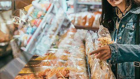 Nederlanders gebruiken jaarlijks bijna dertig miljard plastic verpakkingen