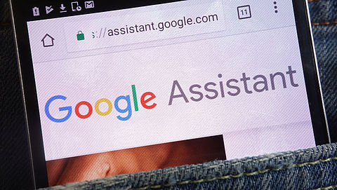 Medewerkers Google luisteren weer mee met gesprekken gebruikers via Assistent}