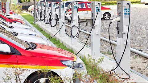 'Veel attracties bieden niet genoeg elektrische laadpalen'