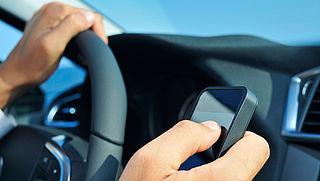 'Geef appende ouder in het verkeer een dubbele boete'