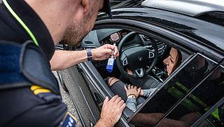 Drugsgebruik in verkeer gecontroleerd met speekseltest
