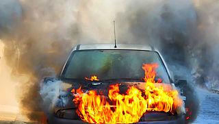 Flesje water in auto kan brand veroorzaken