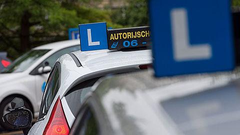 Praktijkexamen voor personenauto wordt duurder