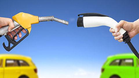 Auto's rijksoverheid vrijwel allemaal benzineslurpers