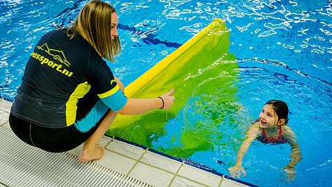 'Zwemlesaanbieder moet bewuster worden gekozen door ouders'