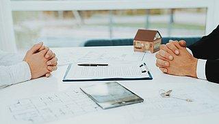 ACM deelt eerste boetes uit aan huurbemiddelaars om bemiddelingskosten