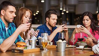 Smartphoneverslaving: 36 procent kan moeilijk zonder mobiel