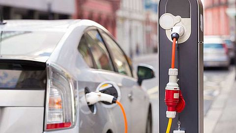 Verkoop elektrische auto's blijft dalen