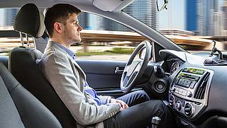 'Zelfrijdende auto's niet veilig in stad'
