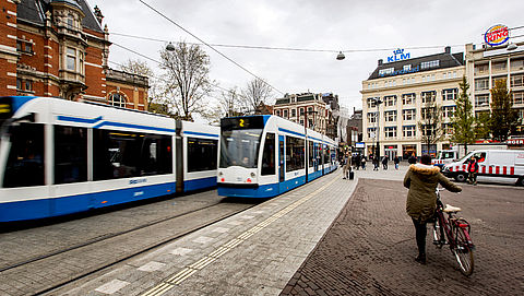 Contant betalen verdwijnt in 2018 uit Amsterdams ov}
