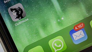 Clubhouse: Wat is het en waarom is de social media-app zo populair?