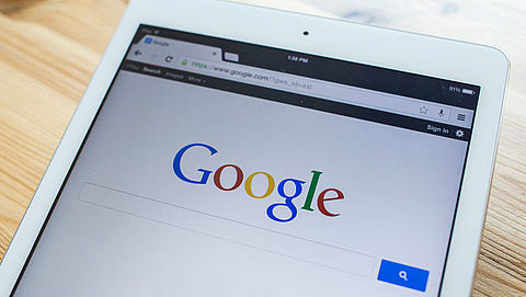 Google wiste vorig jaar dubbel zoveel advertenties als in 2016}