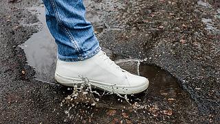 Hoe houd ik mijn witte schoenen wit?