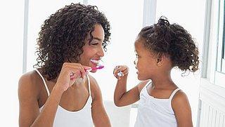 Wittere tanden? Maak eens zelf je tandpasta