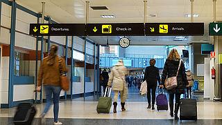 Maandag in Radar: Wat heb je aan een reisverzekering?   Geen vergoeding MS-medicijn