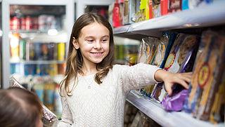 PLUS plaatst ongezonde kinderproducten niet meer op kinderooghoogte