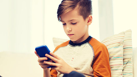 Twaalfjarige streamt voor 12.000 euro aan video's op mobiel tijdens cruise