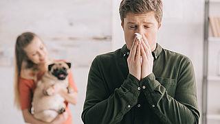 Huisdierallergie: Waardoor wordt het veroorzaakt en wat kun je er tegen doen?