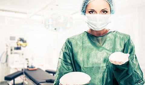Al ruim 500 meldingen voor onderzoek borstimplantaten}