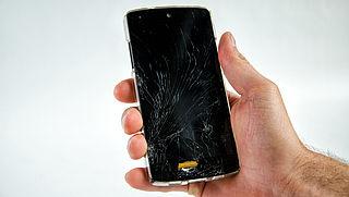 Telefoon ingeleverd voor reparatie maar komt kapot terug