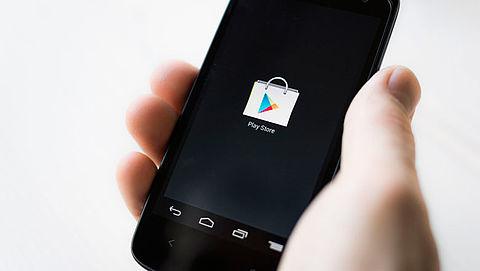 'Vast aan dure sms-dienst door foute app'