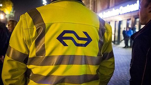 NS zet in de avonduren meer conducteurs in}