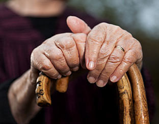 Bloedverdunners vergroten mogelijk risico hersenletsel bij val
