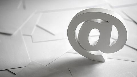 Werkgever moet mailcontrole melden aan werknemer}
