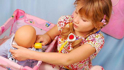 Onveilige speelgoedpoppen van de markt