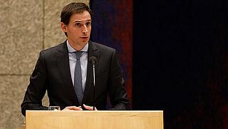 Minister gaat onderzoek naar Kifid zelf aansturen