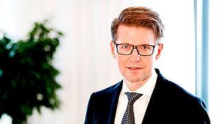 Minister Dekker uitgeroepen tot 'grootste privacyschender'