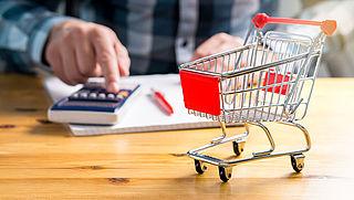 Stijging consumentenprijzen valt lager uit