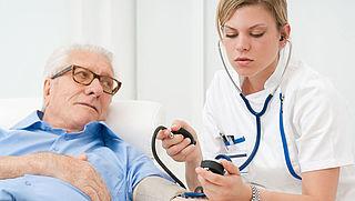 'Overbodige taken verpleegkundigen creëren schijnzekerheid'