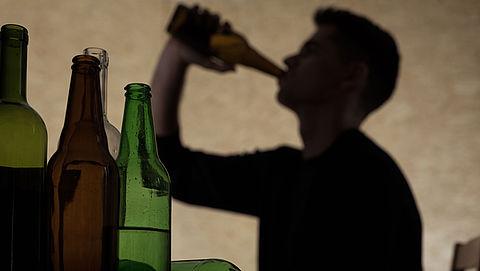 Drankgebruik neemt af onder Nederlandse jongeren}