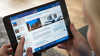 Booking.com scherpt regels aan om illegale verhuur in Amsterdam tegen te gaan