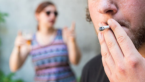 Laagopgeleiden roken meer dan hoogopgeleiden}