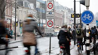 Gemeenten mogen snorfietsers verplichten om rijbaan te gebruiken