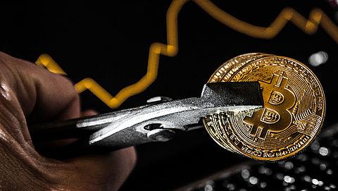 Bitcoin en andere cryptomunten zakken opnieuw flink in waarde}