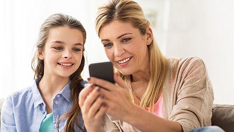 Meeste ouders houden hun tiener in de gaten op het internet