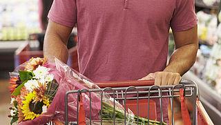 Waarom je liever geen bloemen in de supermarkt koopt