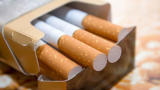 Sigaretten en shag alleen nog in neutrale verpakkingen