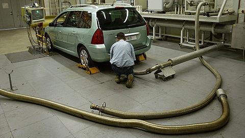 Dijksma wil overgangsjaar voor diesel zonder roetfilter