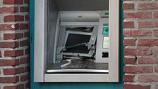 ABN AMRO sluit helft geldautomaten vanwege plofkraken