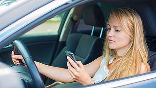 Automobilisten letten 10% van de tijd niet op de weg